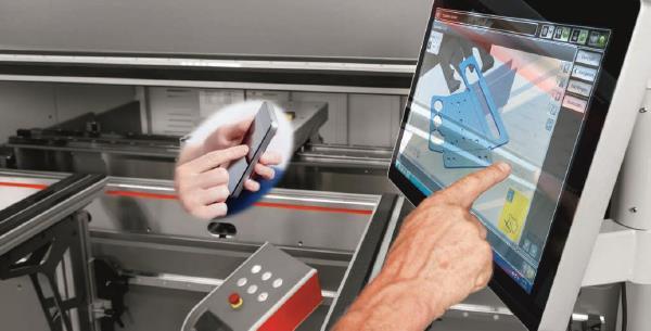 การดัดพับในยุคสมาร์ทโฟน ประโยชน์ใหม่จากเทคโนโลยีเสมือนจริงแก่ผู้ควบคุมเครื่อง